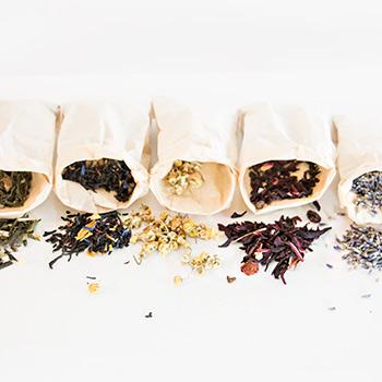 Teák, fűszerek